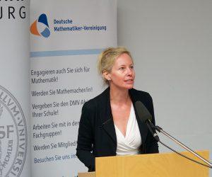 Eröffnung der Ausstellung Women of Mathematics durch ÖMG-Vizepräsidentin Barbara Kaltenbacher