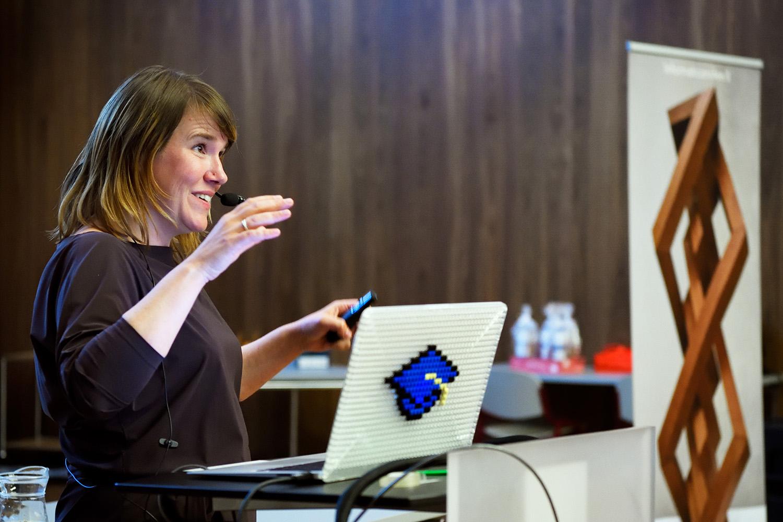Lezing door prof. Ionica Smeets op TU Eindhoven tijdens Symposium door European Women in Mathematics-NL
